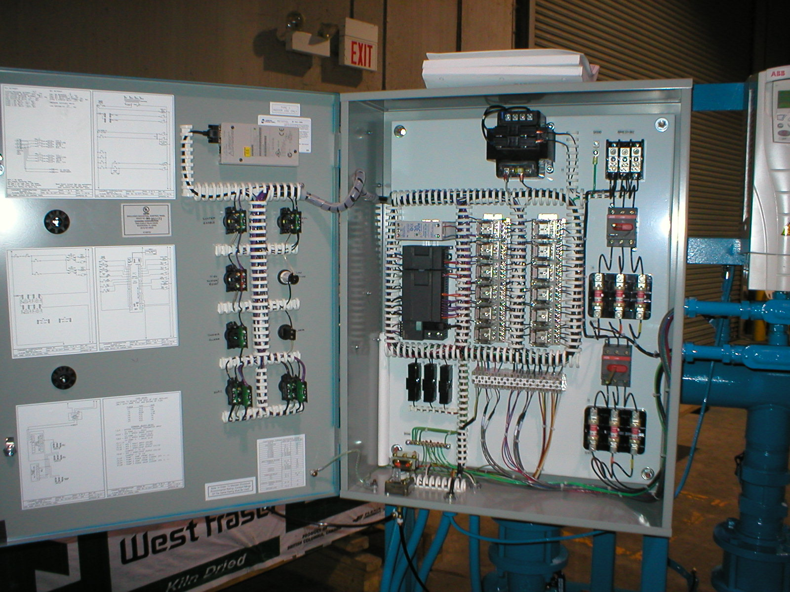 Oil Gas as well Vermont hvac system design together with Role Piping Engineer further 8864562 also 3 0m Cold Room For Hire. on chiller design